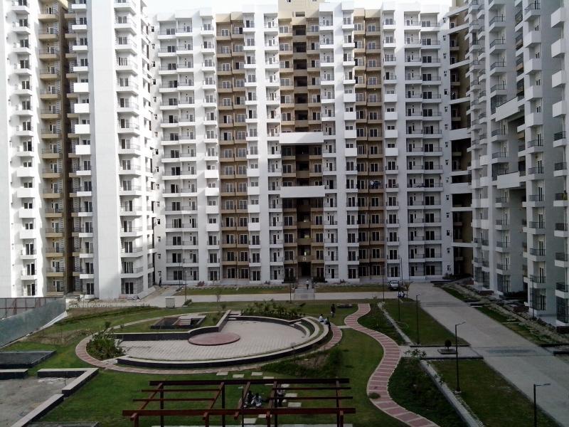 Ajnara India and Gulshan Homz Homes 121 sector-121 Noida