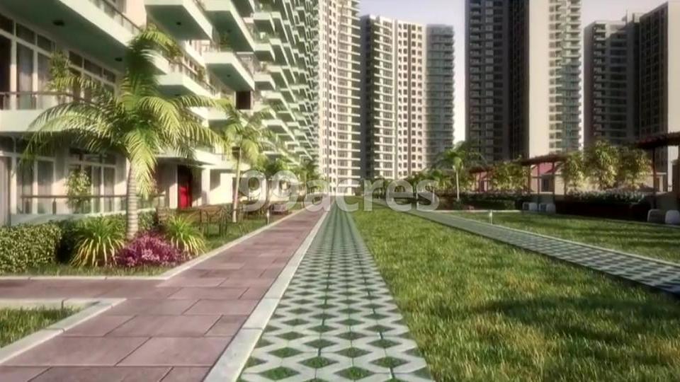Jaypee Greens Kasablanca Towers Paved Compound