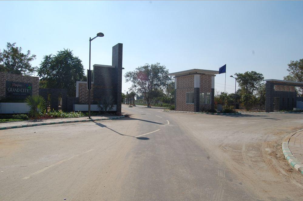 Manglams Grand City Entrance