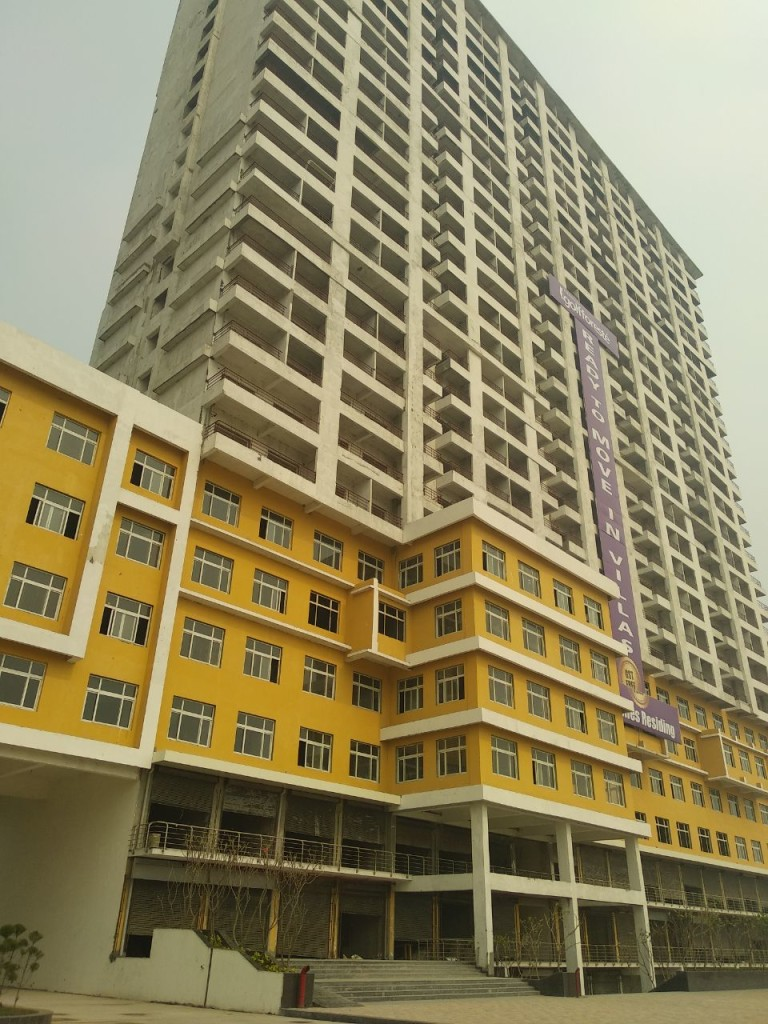 Studio Apartment For In Paramount Golfforeste Sector Zeta Gr Noida Greater 435 Sq Ft