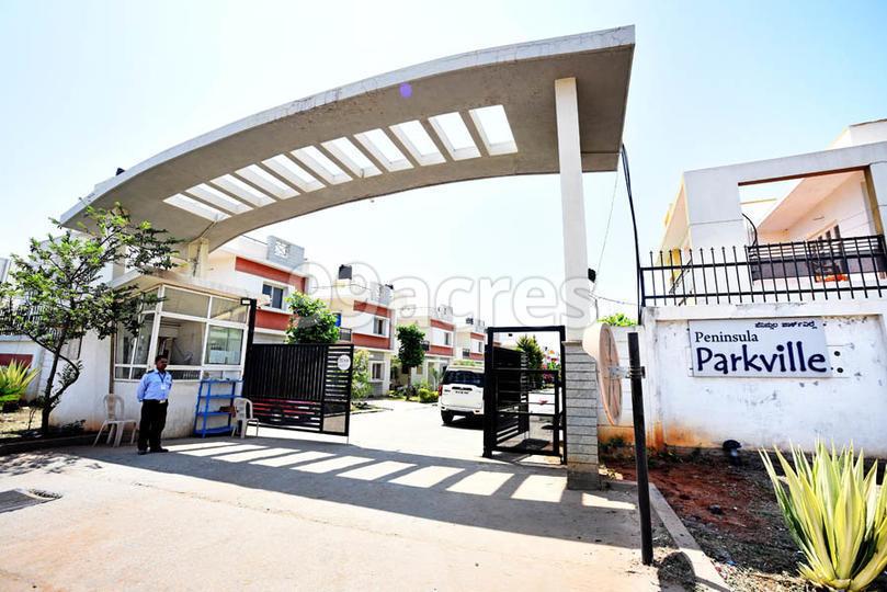 Peninsula Parkville Entrance