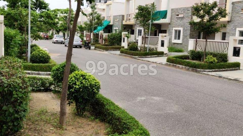 Auric Villas Prime Internal Road