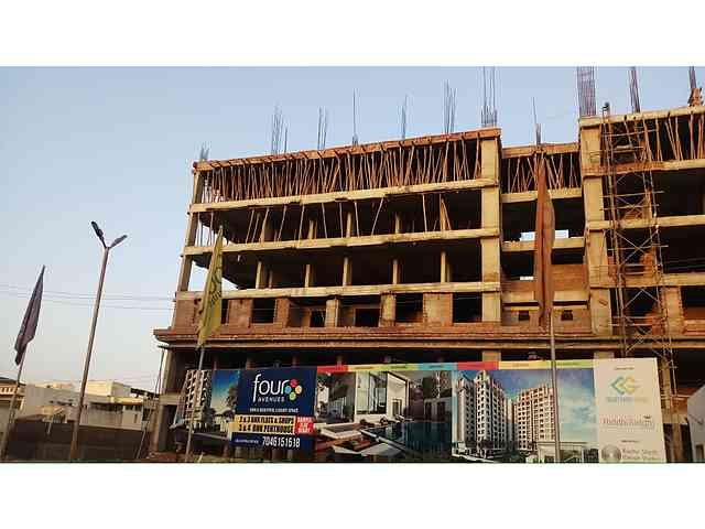 TIA Four Avenues construction status 04/03/2020